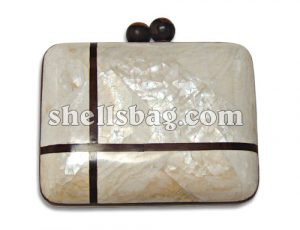 Kabebe Shell Clutch Bag